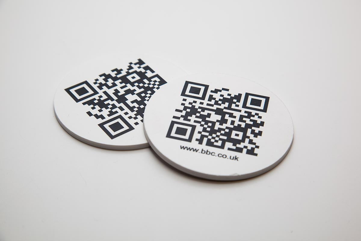 qr code printed on round custom plastic labels for bbc